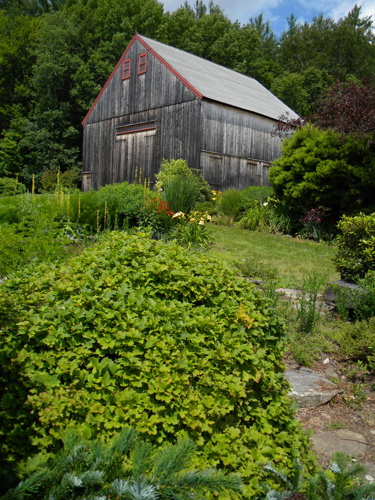 barn from southeast